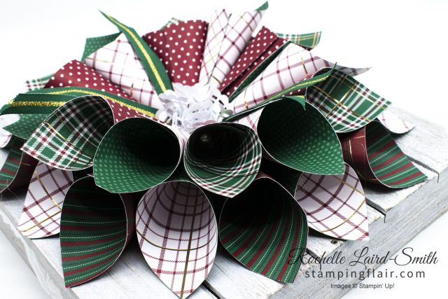 How to make a paper wreath using Stampin' Up! DSP